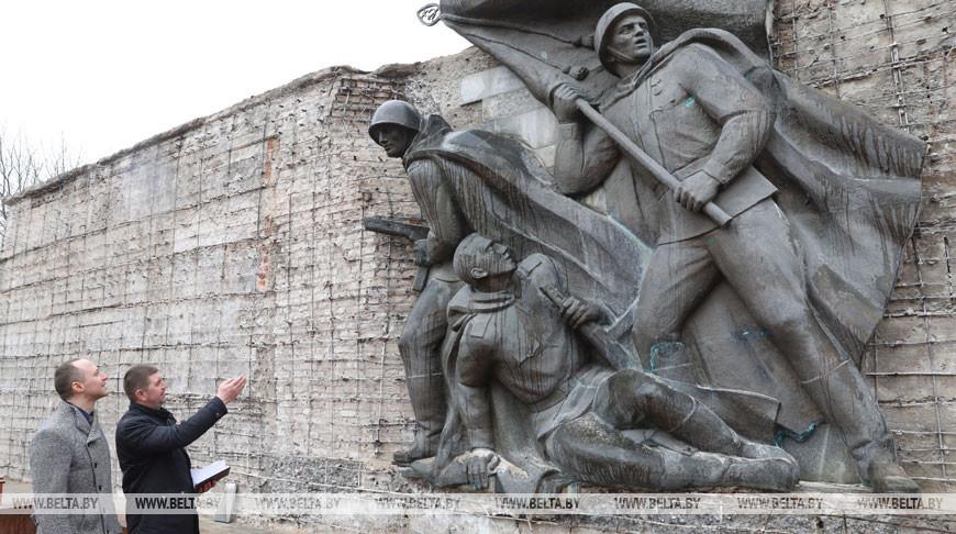 Памятник воинам-освободителям в Полоцке обновят к концу апреля