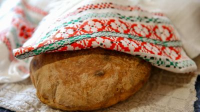 В деревне Кузьмичи Любанского района сохраняют традицию домашнего хлебопечения