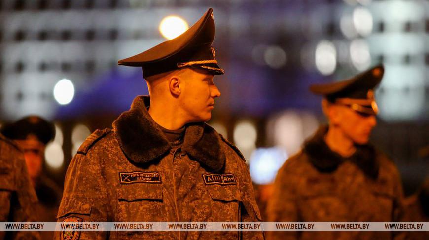 Сводная рота почетного караула провела тренировку к параду в честь Дня Победы