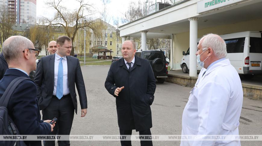 Представители ВОЗ посетили больницу скорой помощи в Витебске