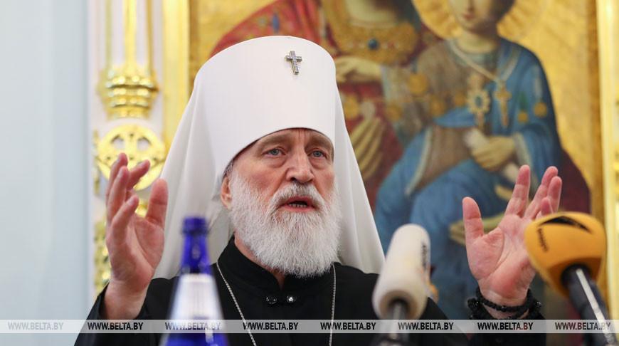 Митрополит Павел призвал верующих в эти дни воздержаться от посещения храмов