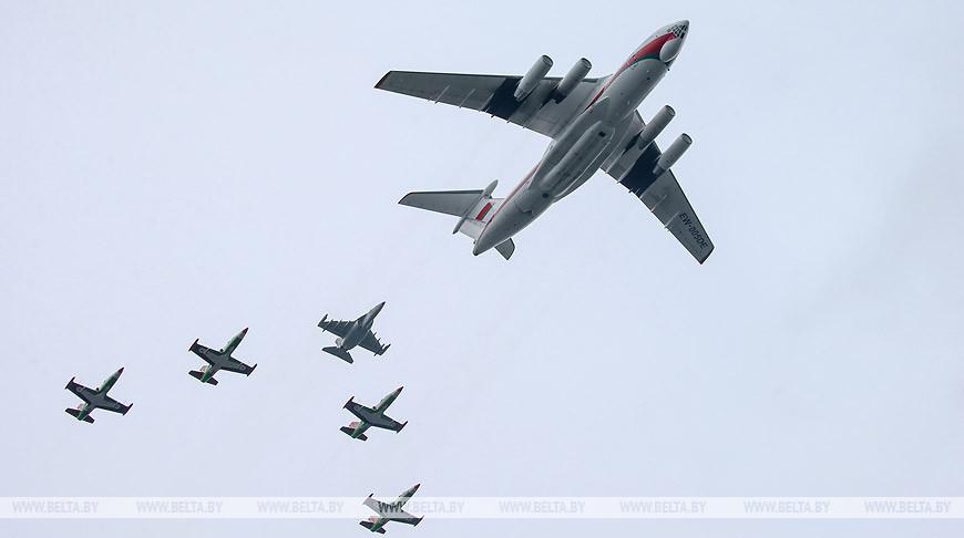 В параде 9 Мая в Минске будут задействованы 36 самолетов и вертолетов