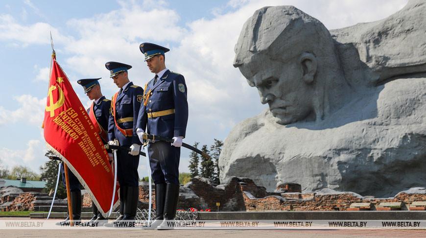 Более 700 десантников приняли участие во флешмобе к 75-летию Победы