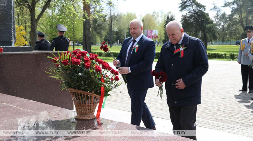 Анфимов возложил цветы к монументу в честь матери-патриотки Куприяновой