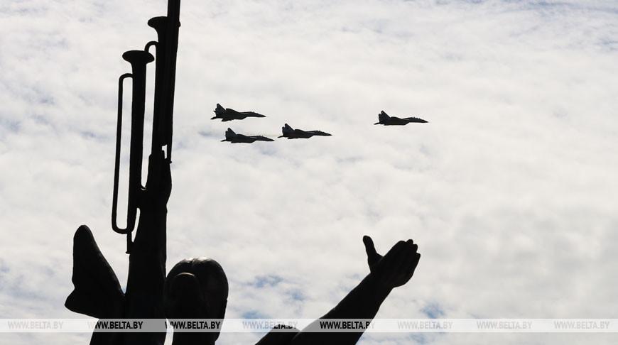 Тренировка авиационной части парада прошла над Минском
