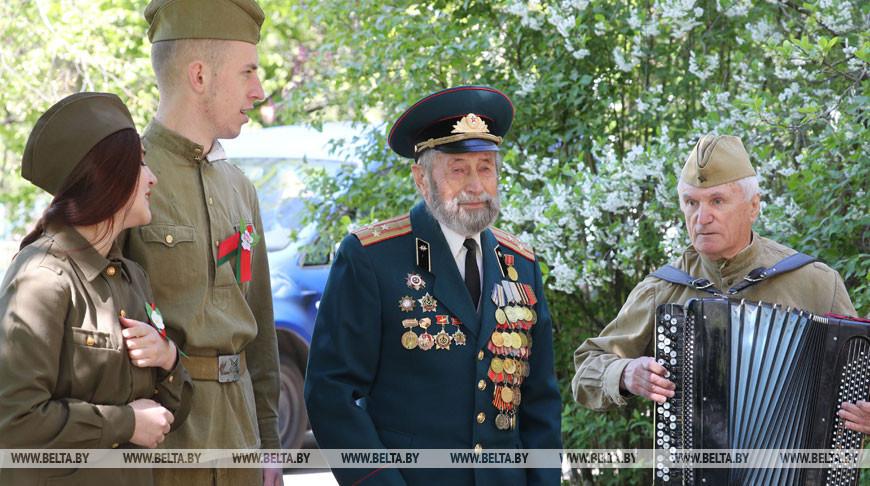 Ветеранов из Гродно поздравляют на дому