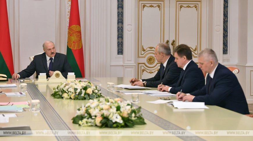 Лукашенко: головой все отвечают за спасение жизней людей