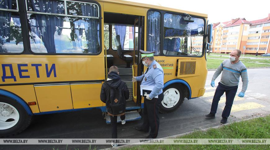 """Профилактические мероприятия """"Детский автобус"""" проводят сотрудники ГАИ на дорогах Гомельской области"""