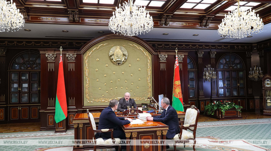 Лукашенко обсудил с Караником и Косинцем лицензирование медицинской деятельности