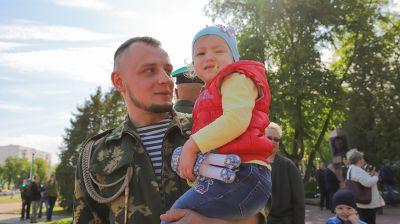 """Брестские пограничники возложили цветы к мемориалу """"Стражам границ"""""""