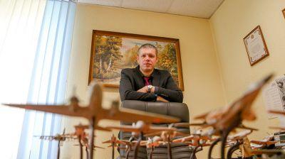 Подполковник милиции Тимур Кессель коллекционирует авиационные модели