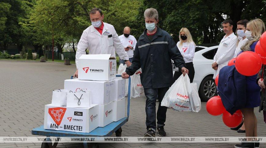 Пациентам Гродненской инфекционной больницы передали подарки