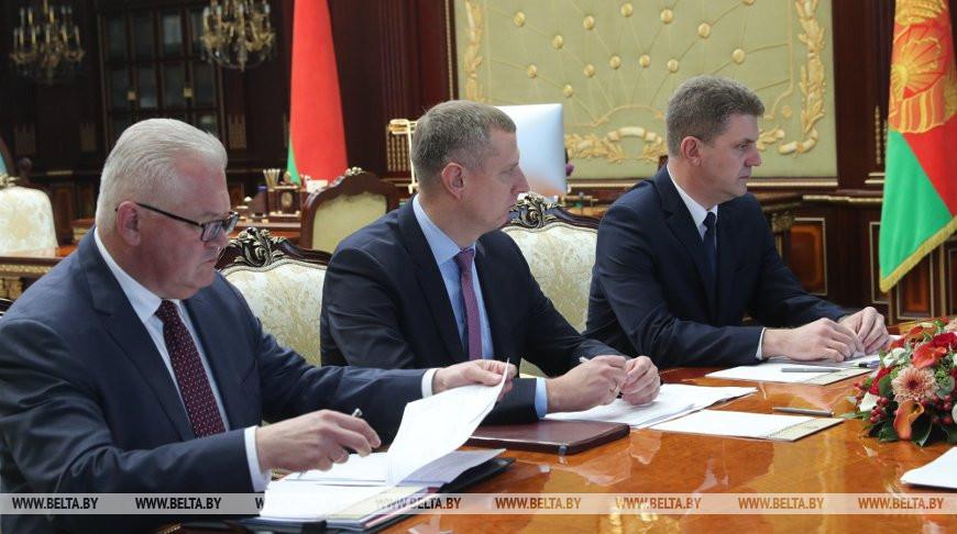 Лукашенко требует активнее строить арендное жилье для бюджетников