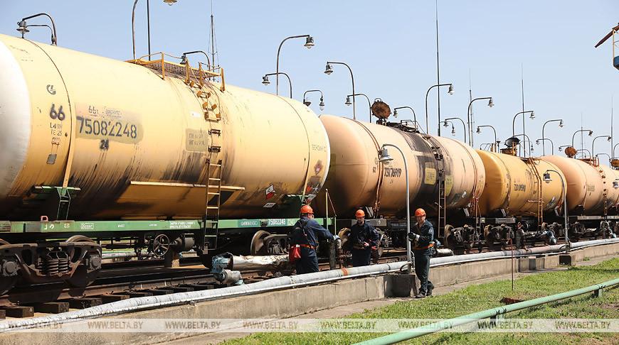 """Американская нефть начала поступать на """"Нафтан"""""""