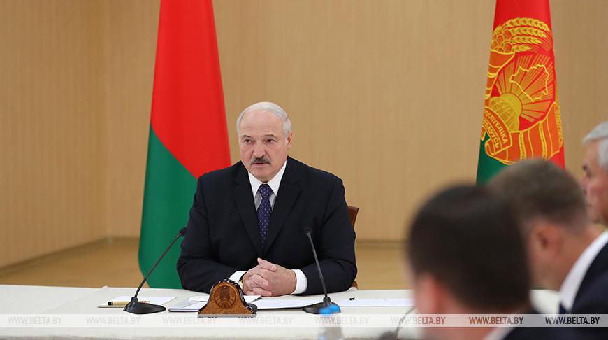 Лукашенко провел совещание совещании по вопросам развития ЖКХ