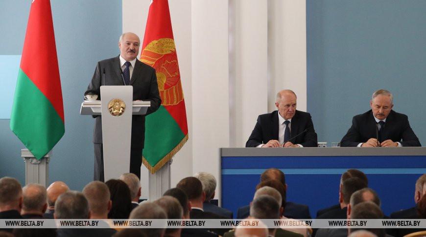 Лукашенко провел встречу с активом Гродненской области
