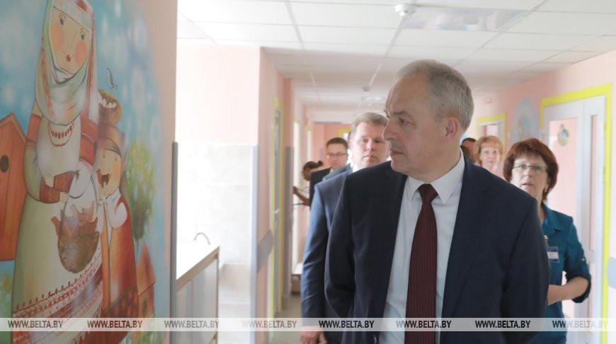 Сергеенко ознакомился с реконструкцией детской горбольницы в Бобруйске