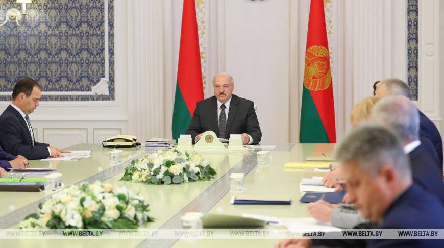 Лукашенко провел совещание по проектам кодексов об административной ответственности
