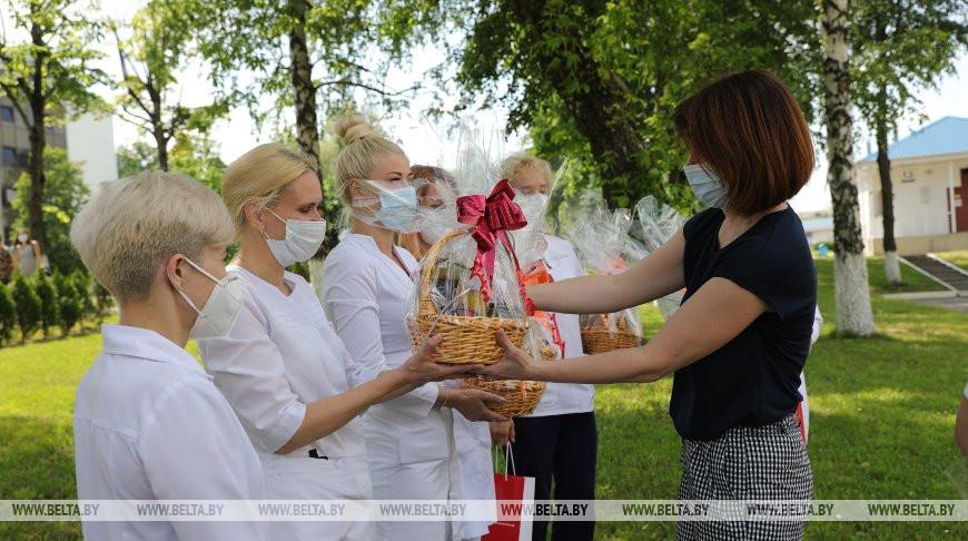 Медиков 6-й городской клинической больницы Минска поздравили с профессиональным праздником