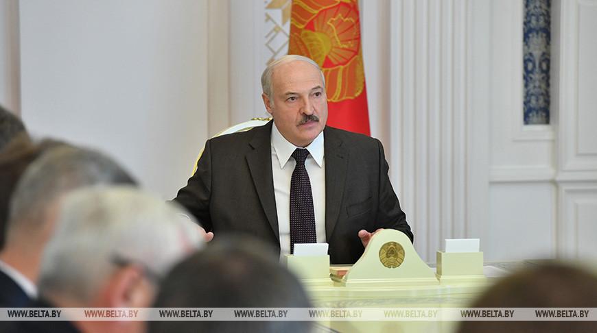 Лукашенко провел совещание, посвященное мерам поддержки реального сектора экономики со стороны банковской системы