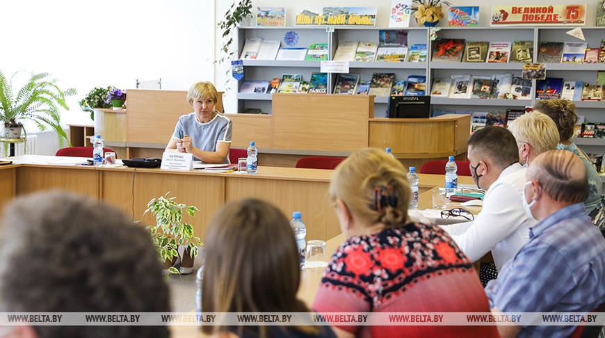 Чуприс провела прием граждан в Пинске