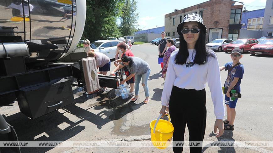 Подвоз питьевой воды организован в Московском и Фрунзенском районах столицы