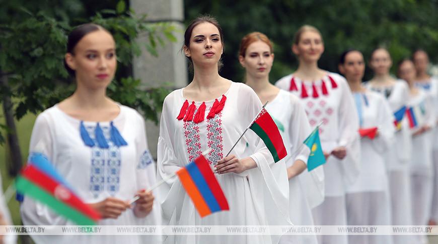 Лебедев: Аллея Дружбы в Минске - символ памяти о вкладе стран СНГ в общую Победу