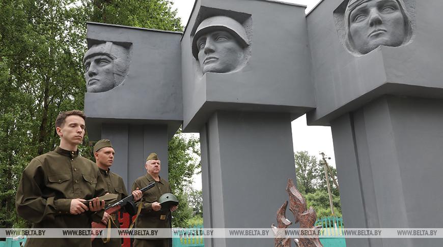 В Витебском районе открыли памятный знак ветеранам и погибшим в годы войны местным жителям