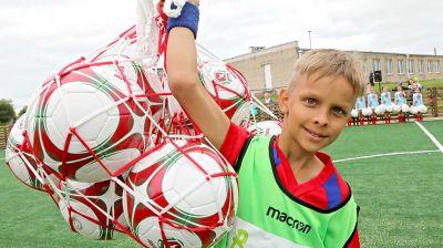 Новая футбольная площадка открылась в Дубровно