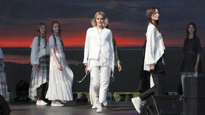 На празднике в Александрии прошел показ коллекций льняной одежды от белорусских дизайнеров