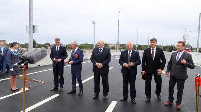 """Лукашенко открыл в Витебске реконструированный путепровод """"Полоцкий"""""""