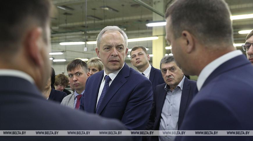 Сергеенко встретился с коллективом Слонимской камвольно-прядильной фабрики