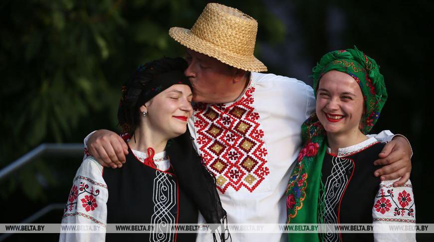 Сельские вечеринки на свежем воздухе возрождают в Гродненском районе