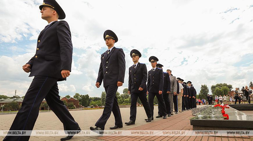 Молодые сотрудники Следственного комитета прибыли в Брест для прохождения службы
