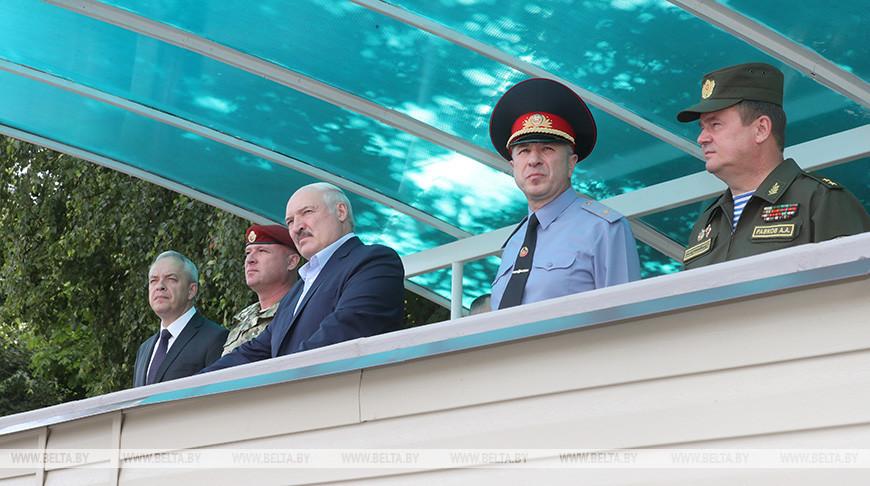 Лукашенко посетил бригаду спецназа внутренних войск в Уручье