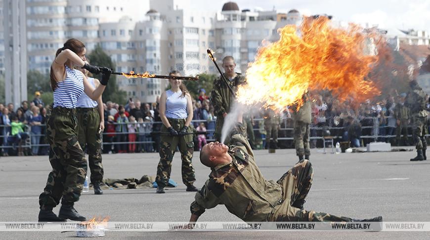 Празднование Дня десантников прошло в центре Минска