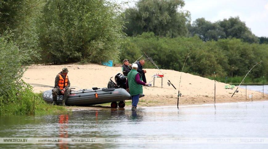 На Днепре проверили рыбаков