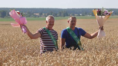 Комбайнер из Гродненского района первым в стране намолотил 5 тыс. т зерна нового урожая