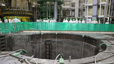 На БелАЭС началась загрузка ядерного топлива в реактор первого энергоблока