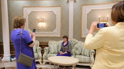Медики побывали с экскурсией во Дворце Независимости