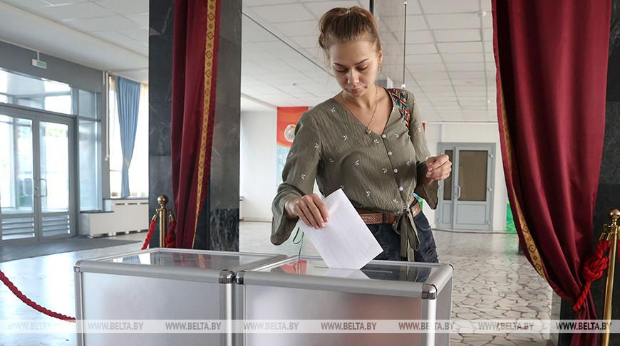 Голосование на избирательном участке №506 в Минске