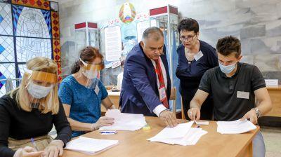 В Минске считают голоса избирателей