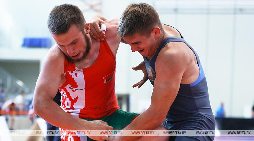Первенство Беларуси по борьбе стартовало в Минске