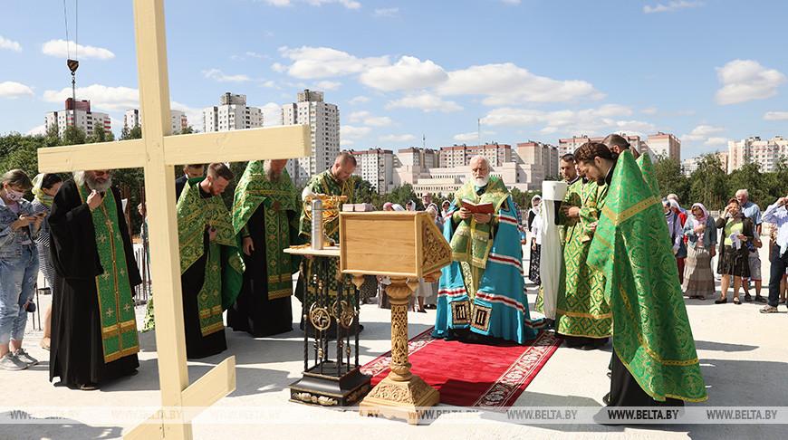 Митрополит Павел принял участие в закладке капсулы на строительстве храма в Минске
