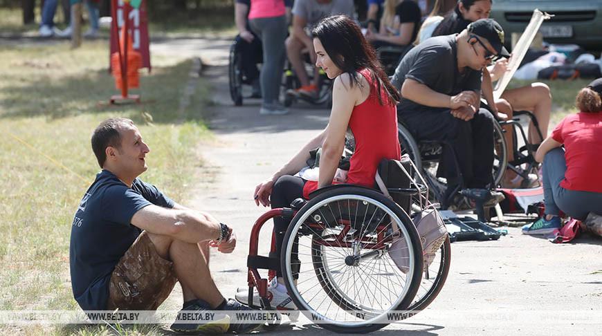 Турслет инвалидов-колясочников проходит в Мозырском районе