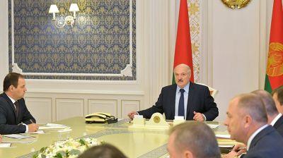 Лукашенко провел совещание с членами Совета безопасности