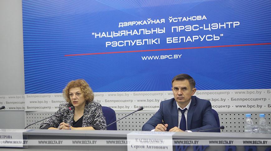 Начальник главного управления профессионального образования Министерства образования провел пресс-конференцию