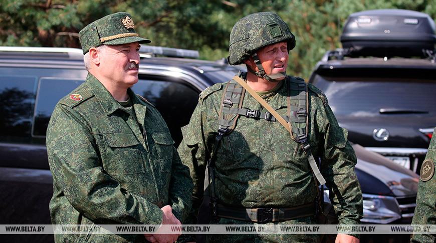 Лукашенко посетил военный полигон под Гродно