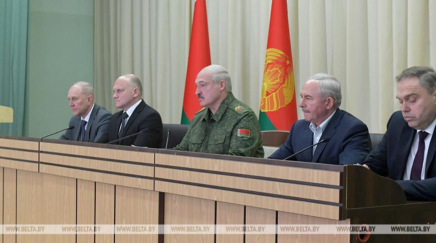 Лукашенко встретился в Гродно с депутатами областного совета