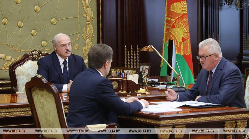 Лукашенко принял с докладом министра образования Игоря Карпенко